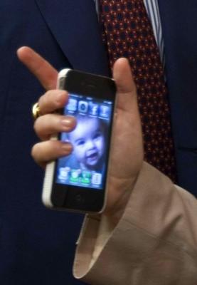 Los móviles usados, una manera de colaborar /IGNACIO GIL