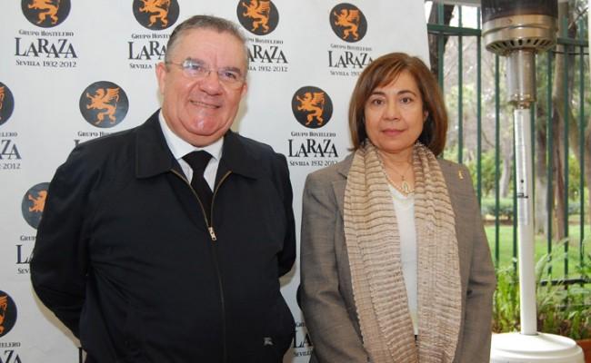 Francisco Javier Yoldi, presidente de la Asociación Zaqueo, e Isabel Pérez, miembro de la Junta Directiva / L. Álvarez
