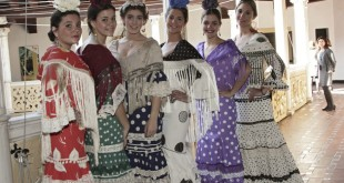Desfile de moda flamenca a beneficio de Cáritas Parroquial de Montequinto / Juan Flores