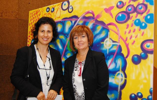 La directora de la Fundación Audiovisual de Andalucía, May Silva Ortega, junto con la presidenta de ASAENES,  Rocío Lozano