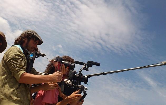 Imagen del director durante el rodaje de «El Desorden de los Sentidos»