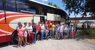 Los niños a su llegada a Morón de la Frontera / Asociación «Azahar»