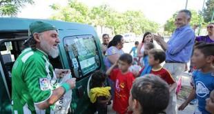 Jorge Morillo, junto con Rafael Gordillo, en la clausura de la 27ª temporada de la escuela «Educar en la calle» Foto: José Galiana