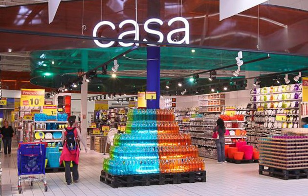Interior de un Carrefour / ABC