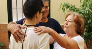 José con sus padres de acogida / L. Álvarez