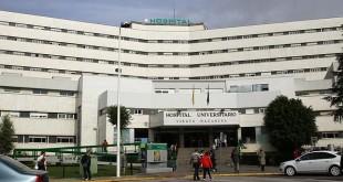 Fachada del Hospital Universitario Virgen Macarena / V. Gómez