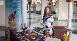 Mercadillo solidario de la Fundación Vicente Ferrer en el hall del hotel