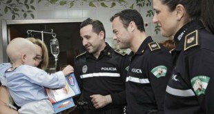 La Policía organiza una divertida jornada por «La sonrisa de un niño»