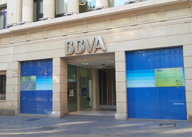 Ecuador de la campa a de bbva en ayuda al banco de for Bbva sevilla oficinas