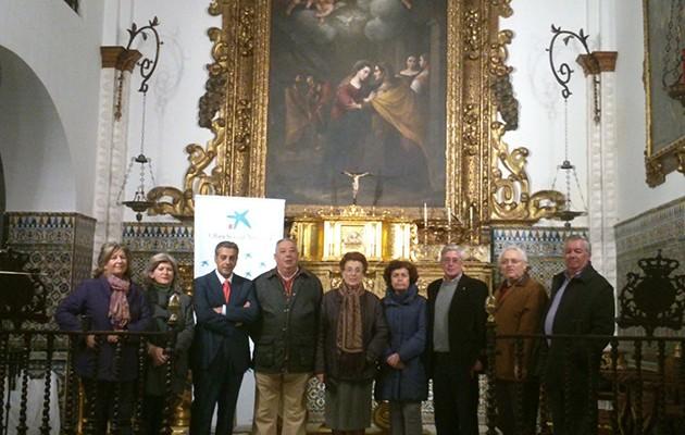 Santa Caridad de Carmona entrega cien cestas de Navidad a familias necesitadas