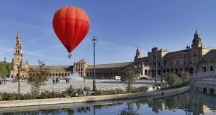 Paseo en globo por la Plaza de España / V. Gómez