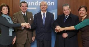 Firma del convenio entre la Fundación Cajasol y los comedores sociales del Dulce Nombre y la Orden de Malta / JAIME MARTÍNEZ