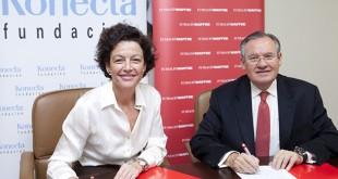 Firma del acuerdo entre Konecta y Mapfre