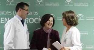 Maria Jose Sanchez Rubio junto a Manuel Gonzalez Suarez y Maria Jose Ortiz.  / Vanessa Gómez