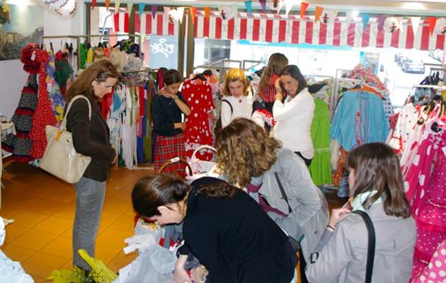 RedMadre organiza un mercadillo solidario de trajes de flamenca cada año / Foto: Mercado Provenzal