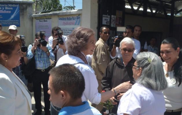 Visita de la reina al proyecto de Paz y Bien en Guatemala / Foto: Paz y Bien