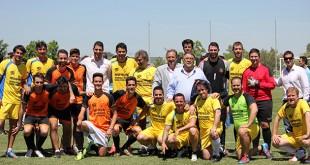 Cantantes y futbolistas han participado en un partido de fútbol / Foto: UPO