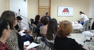 Los asistentes al curso de Asem atienden a las explicaciones / Foto: Asem