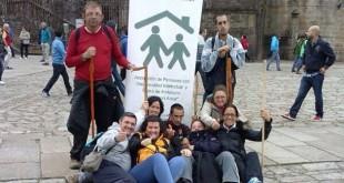 Los usuarios y monitores de la asociación a su llegada a la catedral / Foto: Niños con Amor