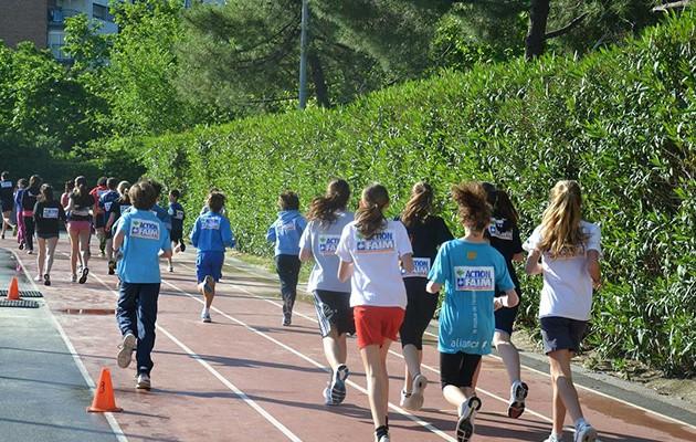 Jóvenes corren en la Carrera contra el Hambre / Acción contra el Hambre
