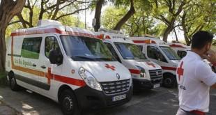 Ambulancias en el hospital de campaña junto a la Feria / Vanessa Gómez