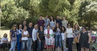 Al encuentro, muy familiar, asistió la doctora Álvarez Silván, a la que le hicieron entrega de un regalo / MILLÁN HERCE