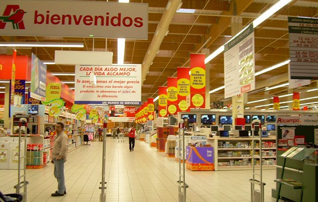 La recogida se lleva a cabo hasta el sábado en el hipermercado del Tamarguillo / ABC