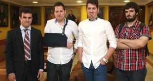 Los alumos becados tras el acto en la Universidad de Sevilla / Fundación Adecco
