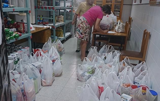 Donantes de alimentos de la Hermandad de la Soledad de Alcalá del Río