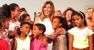 Susana Díaz recibe a los niños saharauis