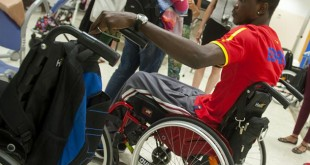 No le faltan atenciones a Abdoulaye en el hospital de Bormujos / Juan José Úbeda