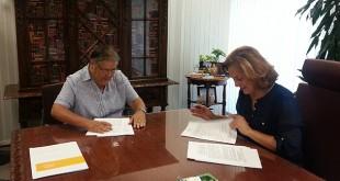 La delegada de Asuntos Sociales con la representante de la Congregación / Ayuntamiento de Sevilla
