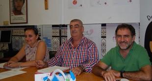 Isabel Eugenio, Juan de Dios Varela y Antonio Cid, de Dos Hermanas Solidaria / L.M.