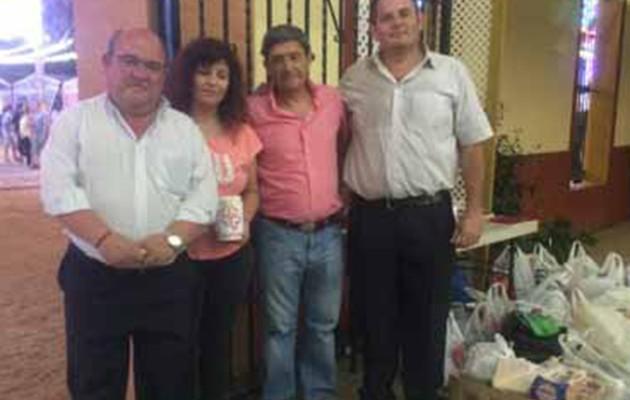 La asociación de caseteros ha entregado cuatrocientos kilos de alimentos a Cáritas de San José