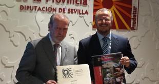 El presidente de la Diputación de Sevilla, Fernando Rodríguez Villalobos, y el delegado territorial de la ONCE en Andalucía, Patricio Cárceles / Foto: ONCE