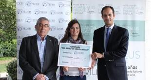 De izquierda a derecha: Rafael Martínez, presidente de Farmacéuticos sin Fronteras, Isabel Motero de FEDER y Alberto Blanca, director del Silken Al-Andalus / Foto: Silken Al-Andalus