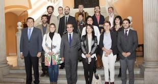 Rafael Herrador posa junto a los representantes de las entidades beneficiarias / L.A.