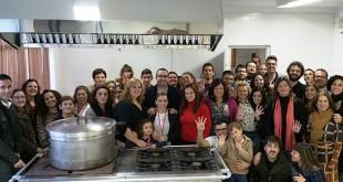 Voluntarios de Cadena de Favores en el nuevo comedor social / ABC