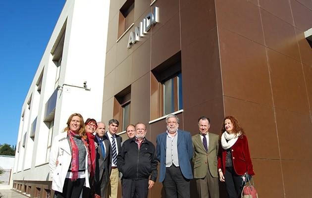 Visita al nuevo centro de ANIDI donde irá el huerto ecológico / L.M.