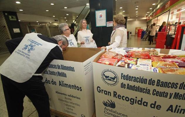 Voluntarios de la Gran Recogida de Alimentos en el DIA del Mirador / Rocío Ruz