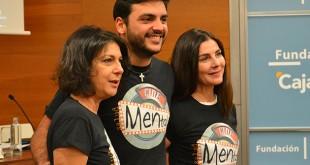 Las actrices Maica Barroso y Ana Fernández junto al cantante Jesús Giles / Asaenes