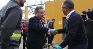 El alcalde en las instalaciones del Zoosanitario / Ayuntamiento de Sevilla