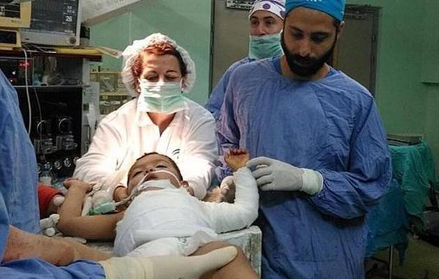 Juan Jiménez Baquero, poco antes de una operación en un hospital de Gaza / ABC