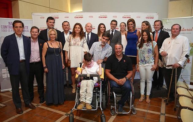 Foto de familia de los ponentes y las nadadoras de la iniciativa #Yonadotudonas / Vanessa Gómez