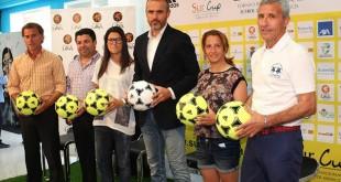 Presentación del torneo a cargo de Pablo Blanco (Sevilla FC), Antonio Reyes (Real Betis), Alicia Fuentes (Sevilla FC) y Beatriz Parra (Real Betis), y el jerezano Antonio Fernández, padrino de esta edición
