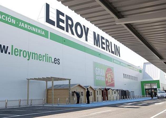 Leroy merlin renueva su compromiso con c ritas para el for Leroy merlin sevilla