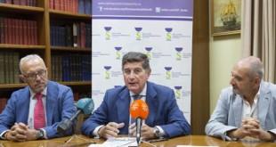Presidente y vicepresidente del Colegio de Farmacéutico de Sevilla junto al presidente de Adhara, Diego García / Colegio de Farmacéutico de Sevilla