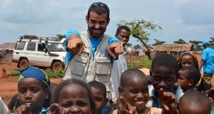 Enrique Sánchez en su visita a los sitios de refugiados de Gadó y Mbile en Camerún, el pasado mes de junio con Unicef.
