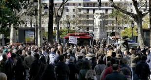Un momento de la concentración en la Plaza Nueva este sábado - J. M. SERRANO