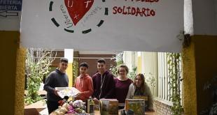 Los alumnos del IES Virgen de Consolación, son los protagonistas del mercadillo / J.M. Brazo Mena